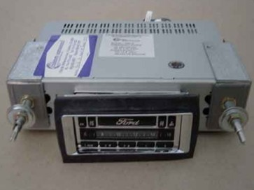 51-52 AM/FM Stereo w/ Ford Logo & CD Controller - Model 6