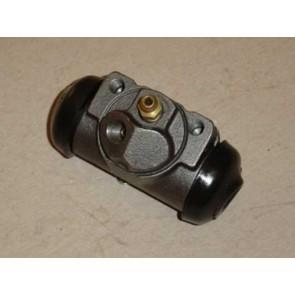 61-64 Wheel Cylinder - 2WD - front RH