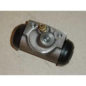 63 Wheel Cylinder - 2WD - front RH