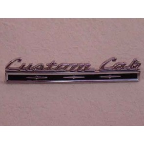 "68-70 Cab Back Emblem - ""Custom Cab"" - black"